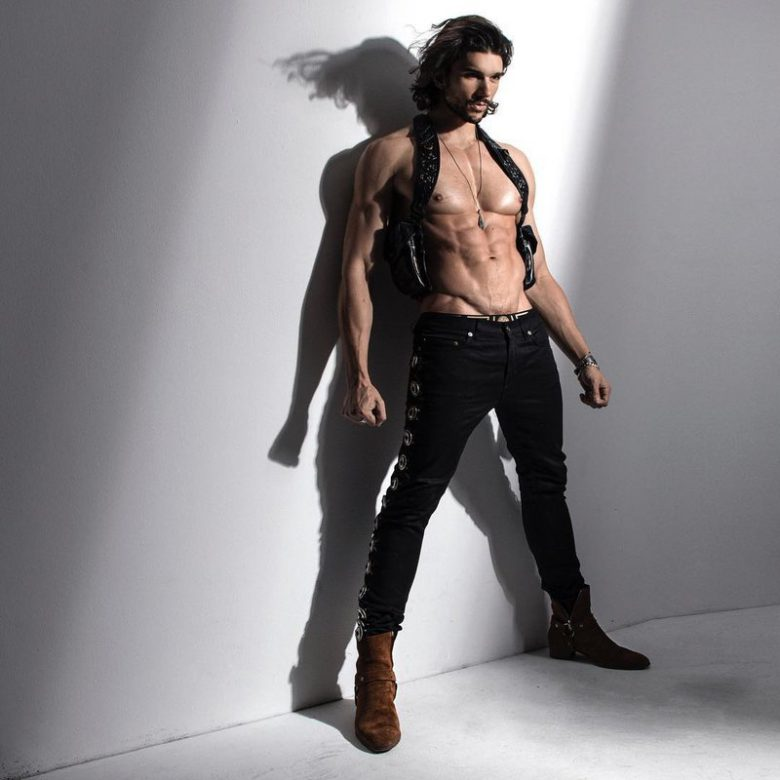 pics of azerbaijan naked females