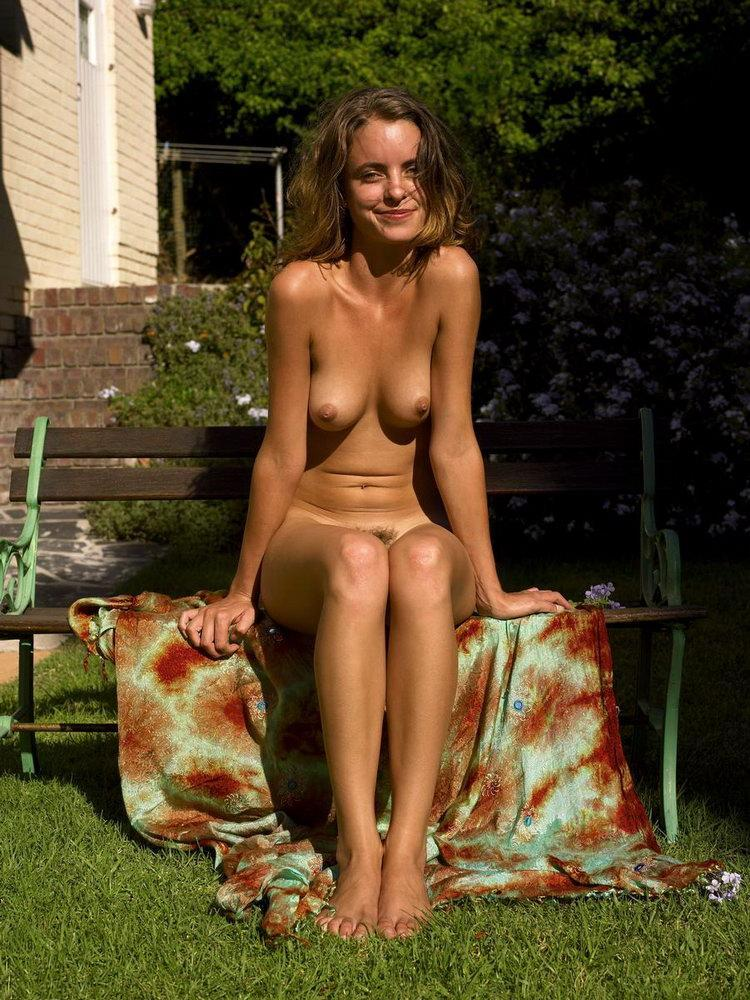 sexy girls get naked geeky