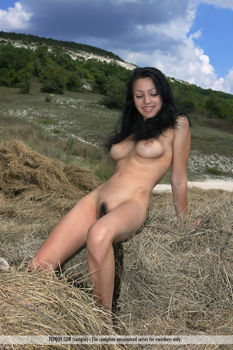 nude videos and pictures