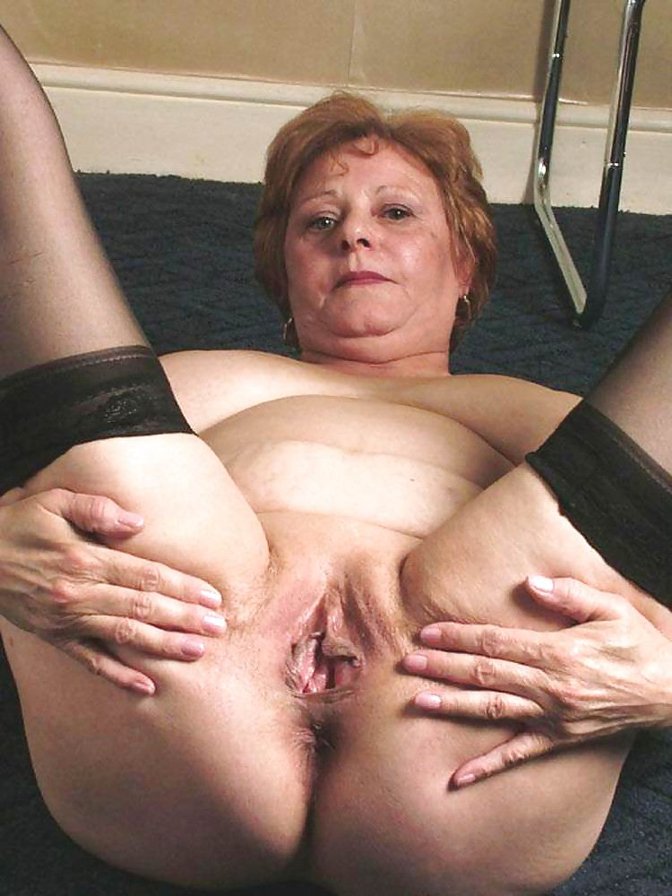 mom sucks cum out